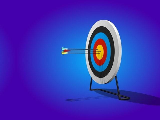 SaaS KPIs growth metrics target bullseye